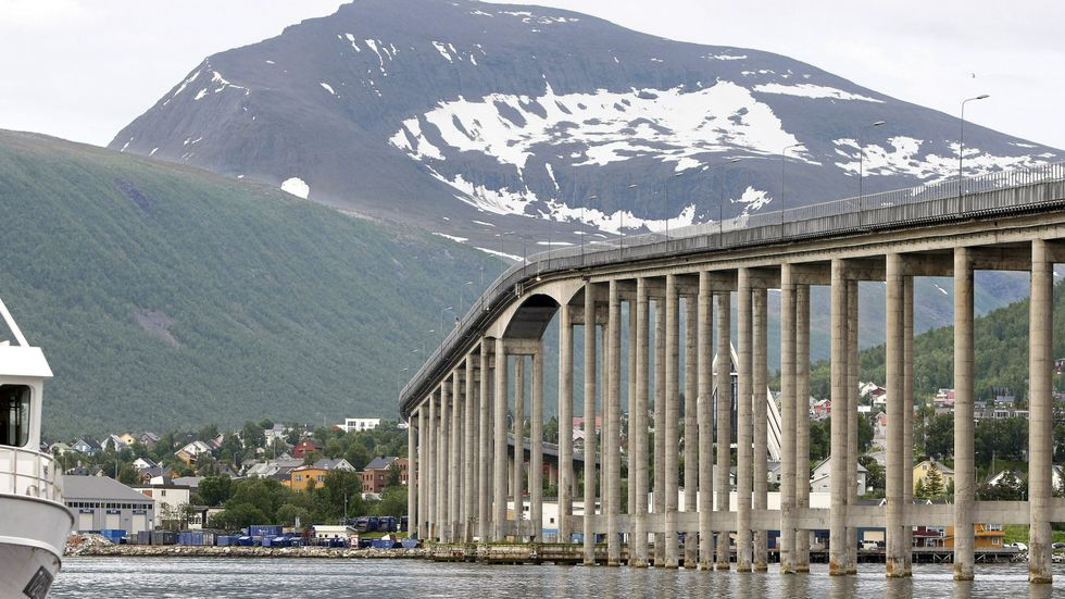 Taxi får kjøre over Tromsøbrua